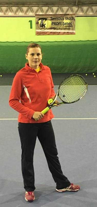 Trénerka tenisu Lenka